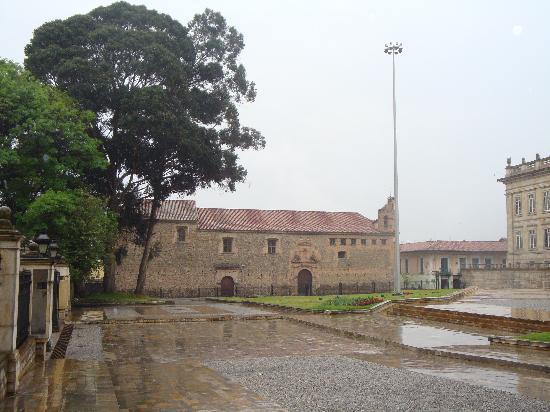 La Candelaria: Plaza Bolivar - Government Quartier