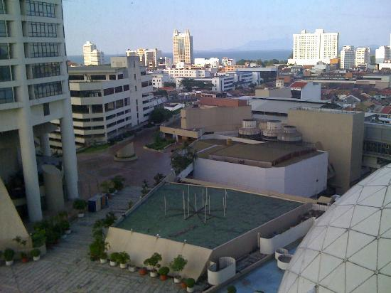 Hotel Jen Penang: The not so nice view..