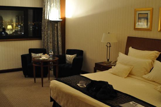 Le Grand Amman Managed By AccorHotels: Our nice large room