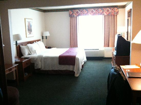 Fairfield Inn & Suites Rancho Cordova: bed area