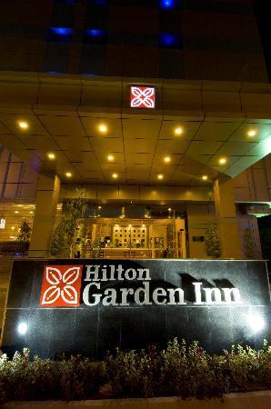 Hilton Garden Inn Riyadh Olaya: Entrance