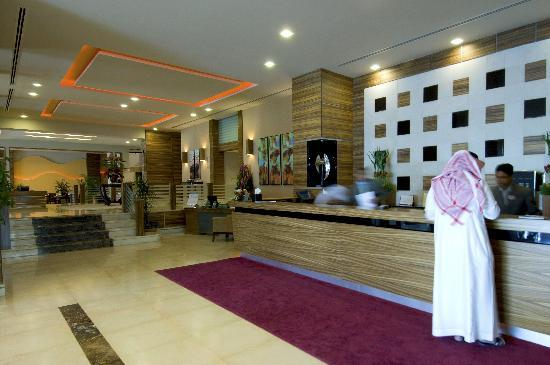 Hilton Garden Inn Riyadh Olaya: Lobby