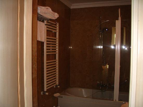bagno con vasca idromassaggio - Foto di Adler Cavalieri, Firenze ...