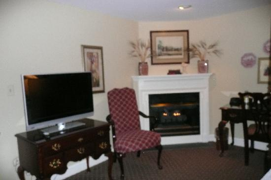 The Lambertville House Hotel: A fireplace , too!