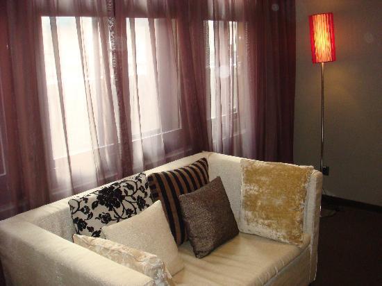 ฟอร์เต้ ออเร้นช์ บิสซีเนส โฮเต็ล กวนเคียน: Sofa