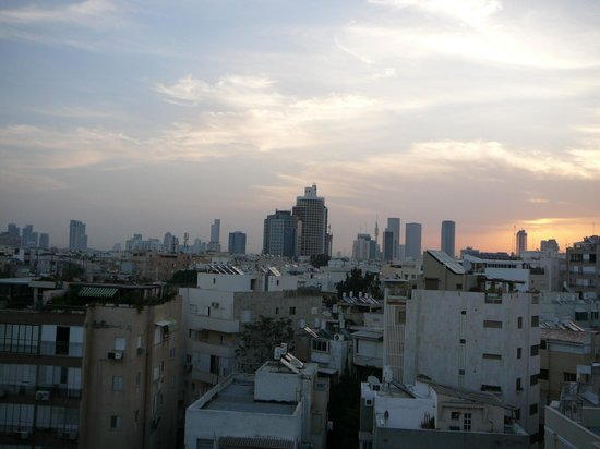 Mercure Tel-Aviv City Center: day view