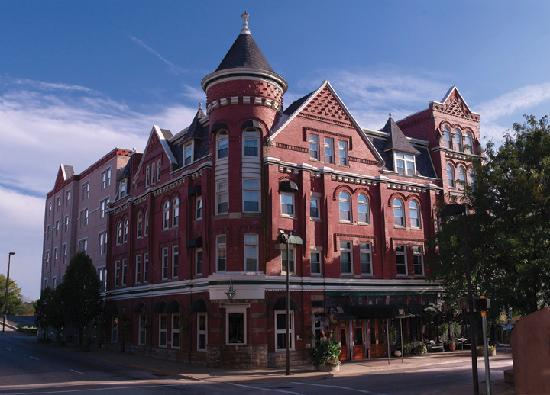 ‪ذا بلينرهاسيت هوتل: The Blennerhassett Hotel - Built 1889‬