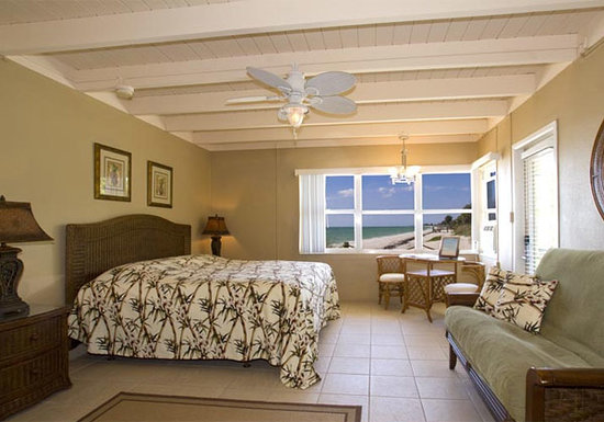 Pearl Beach Inn: King Suite
