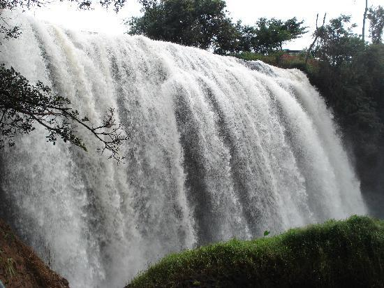 Thien An Hotel: Elephant Falls about an hour West of Dalat on a scooter
