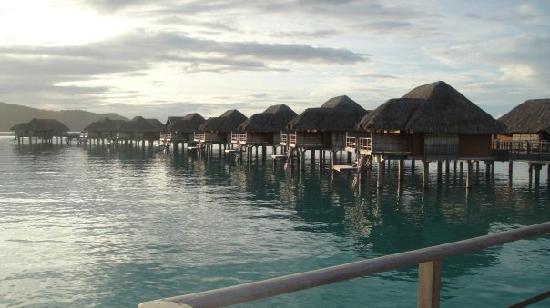 Four Seasons Resort Bora Bora: other bungalows