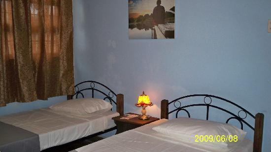 Hotel Paseo Colon: Double Twin Standard Room