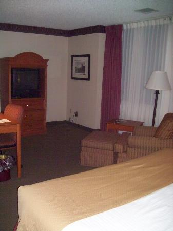 Best Western Plus Como Park Hotel: This room was the one my friend Lacy stayed in