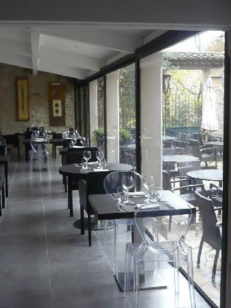 Le Mas du Terme: Restaurant/Courtyard