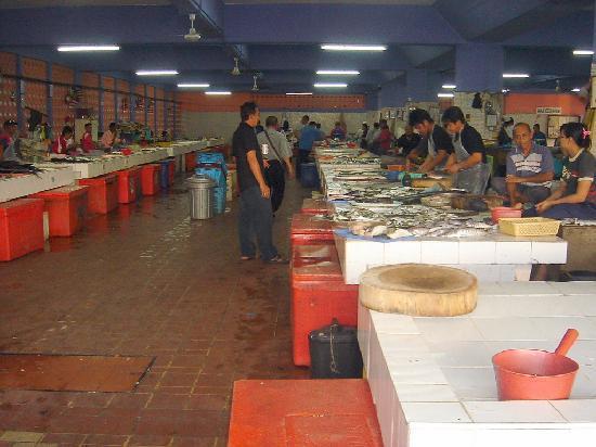 Labuan Island, Malaysia: ラブアンの魚市場 必見