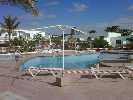 Loma Verde Aparthotel : The pool 1