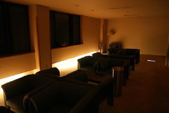 Fine View Muroyama: 二階の宿泊者専用のロビー