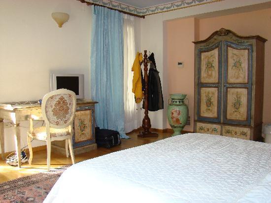 Byzantino Hotel: view of room