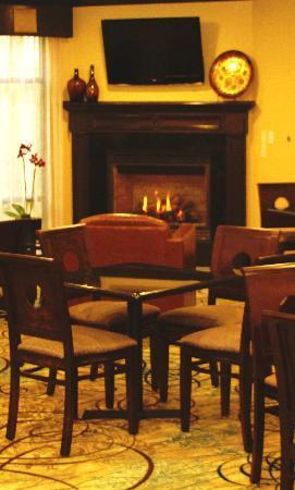 Comfort Suites: Cafe