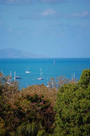 Airlie Beach Myaura Bed and Breakfast: View from the Balcony