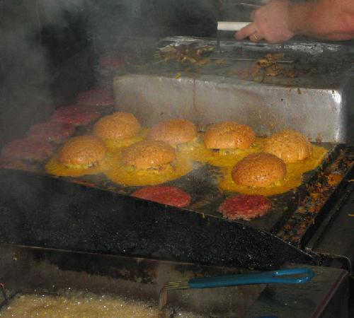 Squeeze Inn: The grill and the legendary burgers