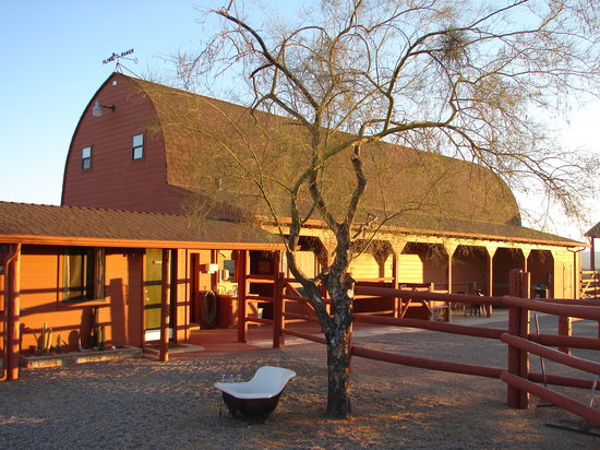 Flying E Ranch: The barn