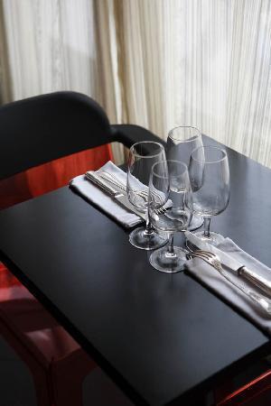 Le deci: Une table pour deux