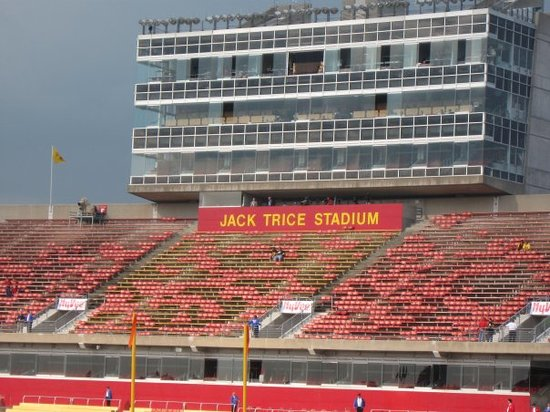Ames, Айова: jack trice statium...a glorious ahhhhhh is heard :)
