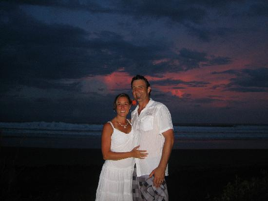 Las Flores Resort: Sunset shot of our Wedding Night