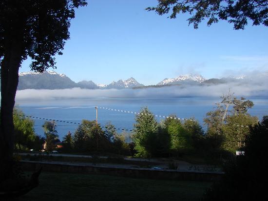 Hosteria Belvedere: Lago Correntoso frente a la Hostería