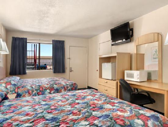 Travelodge Holbrook: Two Bed Room