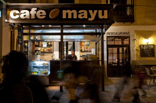 El Albergue Ollantaytambo: Cafe Mayu, fantastic espresso coffee, chocolate cookies and more