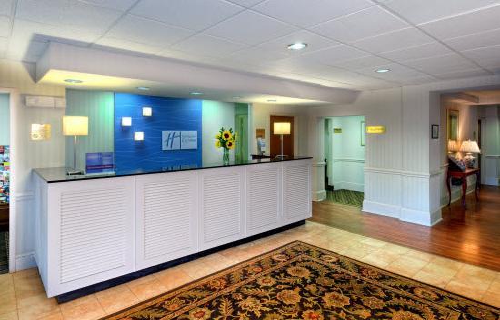 Holiday Inn Express Charleston : Lobby