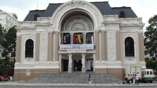 Caravelle Saigon : Saigon Opera House