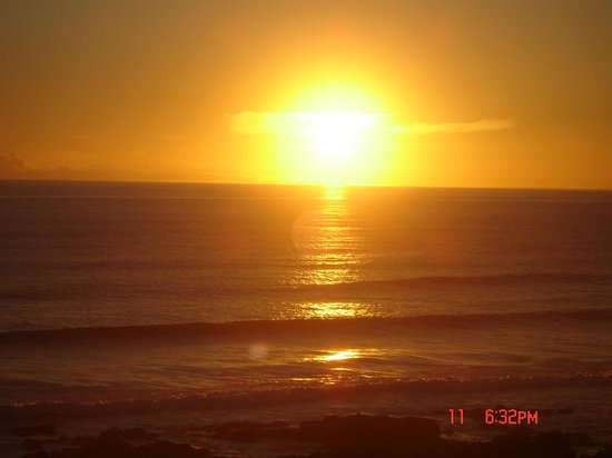 Beachview, Sudafrica: Dolphins View sunset.