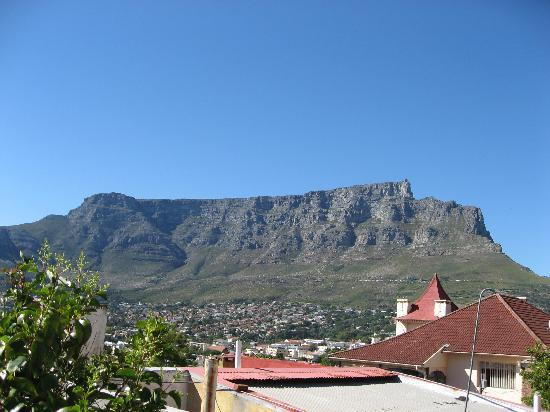 Bergzicht Guesthouse: View of Table Mountain