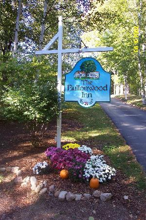 Buttonwood Inn on Mount Surprise: Buttonwood Fall