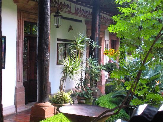 Hotel Casa de la Real Aduana: View towards the room