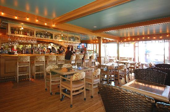 Trinity at city beach restaurant and lounge at the best for Sandpoint lodge