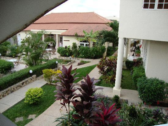 Seaview Gardens Hotel : gardens