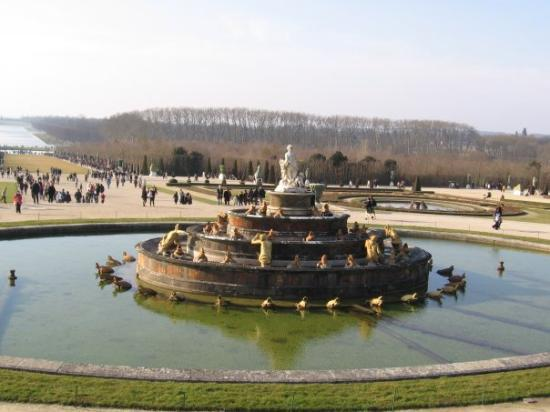 Palace of versailles picture of versailles yvelines for Attraction yvelines