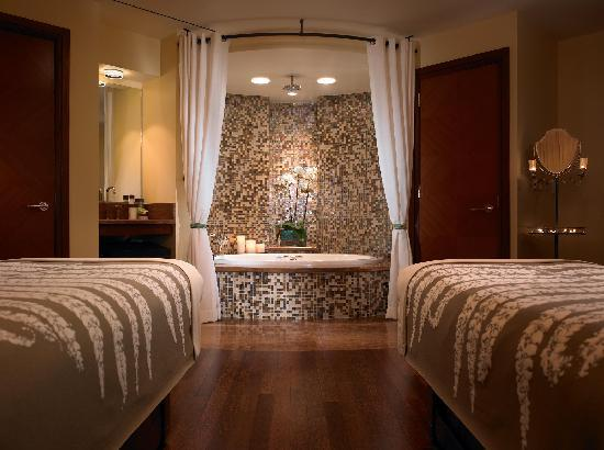 St. Regis Princeville Resort: Couples Massage