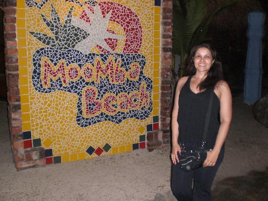 Moomba Beach Bar & Restaurant: Morgana in front
