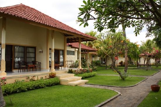 Aditya Beach Resort: our bungalow