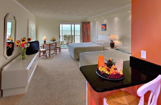 Oceanfront Litchfield Inn: Guest Room