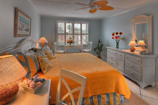 Oceanfront Litchfield Inn: Guest Room