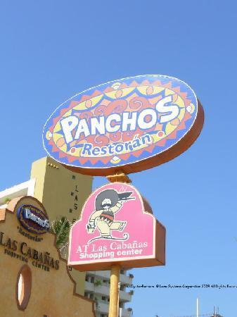 Pancho's: The entrance from Av. Playa Gaviotas has the big banner that identifies the restaurant.