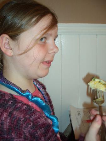 Irish Tea Room: Well-behaved child eating Pat's cuisine