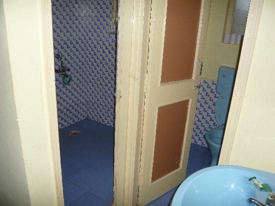 Beira Mar Alfran Resort: Our bathroom/wetroom