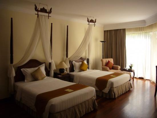 Angkor Palace Resort & Spa: Angkor Palace resort and Spa - room is very nice