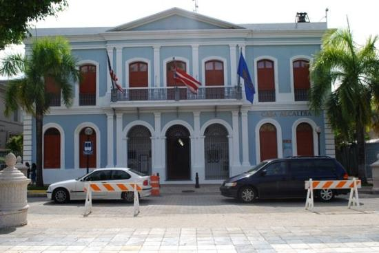 Caguas, Πουέρτο Ρίκο: La alcaldia... oh, well, it used to be anyway... now it's a museum! :)